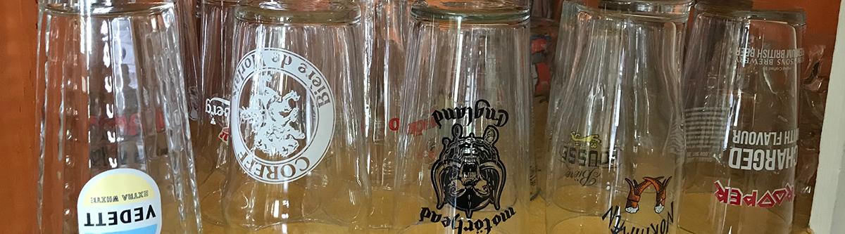 Le gambrinophile collectionne les verres à bière