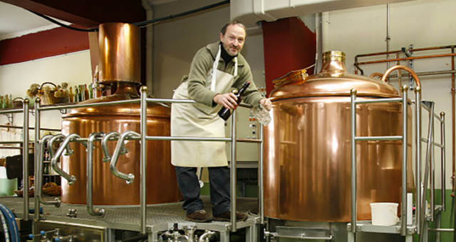 Pierre-Jean Faux, Toutes les bières sont brassées artisanalement avec des matières premières naturelles.
