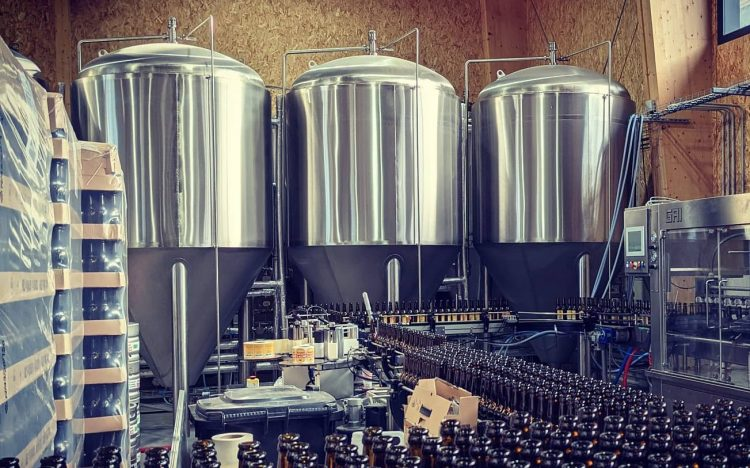 La Brasserie du Slalom produit depuis 2017 des bières 100% Bio, avec l'eau pure des Hauts Plateaux du Vercors.